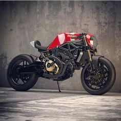 """ducatiobsession: """"The CaféRacer Monster 821 #ducatiobsession #ducati #ducatimonster #ducaticorse #ducatista #ducatisofinstagram #ducatistagram #ducatigram #ducatilife #panigale #sportbike..."""