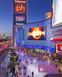 Pink's Hot Dogs - Las Vegas. Can't wait for some tasty, crazy veggie dogs!