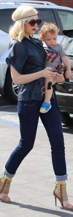 Gwen Stefani, with baby 1 of her kiddos. Her & Victoria Beckham are most definitely some mothers that are fashionably on point! Like it #milfmovement