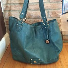 Cute The Sak Bag This spacious purse fits all the essentials and more! Lightly used with no major signs of wear. Convenient outer pocket fits most phones! Turquoise in color. Nordstrom Bags Hobos