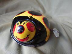 キュートでなコレクター品ヴィンテージブリキぜんまい仕掛けのおもちゃテントウムシ Cute and Collectable Vintage Tinplate Clockwork Toy Ladybird