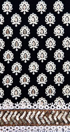 Sabyasachi - Motif ornemental en noir et blanc - Ornemental pattern in black and white Indian Patterns, Textile Patterns, White Patterns, Print Patterns, Couture Embroidery, Beaded Embroidery, Hand Embroidery, Embroidery Designs, Lehenga