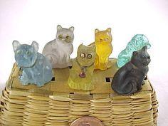Vintage Charm Bracelet, Charm Bracelets, Spaniel Dog, Vintage Dog, Glass Animals, Animal Jewelry, Czech Glass, Glass Art, Miniatures