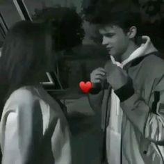 Romantic Kiss Video, Romantic Movie Scenes, Romantic Couple Kissing, Cute Couples Kissing, Romantic Movies, Romantic Couples, Cool Pictures Of Nature, Beautiful Love Pictures, Cute Couple Pictures