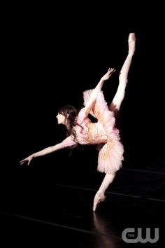 """BREAKING POINTE  """"Pilot""""  Pictured: Beckanne Sisk.  Erik Ostling/The CW  ©2012 THE CW NETWORK, LLC.ALL RIGHTS RESERVED."""