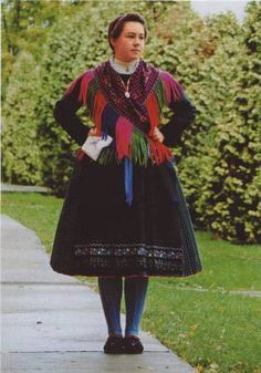 Sváb viselet Folk Costume, Costumes, Folk Clothing, Popular, Art Decor, Handkerchiefs, Germany, Culture, Womens Fashion