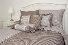 Krepové povlečení HNĚDÁ KOSTIČKA pozitiv/negativ Comforters, Blanket, Bed, Furniture, Home Decor, Creature Comforts, Quilts, Decoration Home, Stream Bed