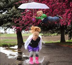 """Dad's inspiring photos of """"flying"""" son to raise Down Syndrome awareness"""