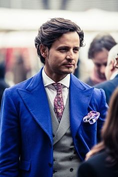 Mr.Raro in Pitti Uomo 83 #style #stylish #tattoo #menstyle #menswear #mensfashion #malefashion #moustache #suit #tie #fashion #classy #beard #bowtie