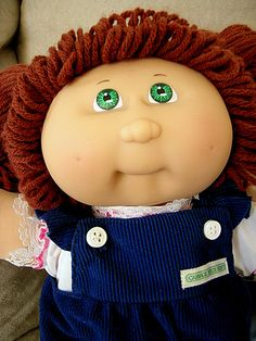 This is what my first Cabbage Patch Kid, Dee Corrine, looked like :) Cabbage Patch Kids Dolls, Popular Toys, Kids Board, Barbie Stuff, Agatha Christie, Sweet Memories, 25th Anniversary, Doll Toys, Big Kids