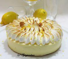 Je ne connaissais pas ce gâteau Je l'ai découvert car une amie en avait fait un mais je n'ai pu le goûter donc... je m'y suis mis Et voilà..... Un gâteau tout moelleux parfumé au citron. Mon goûteur maison a approuvé.... Recette pour un moule à charnière...