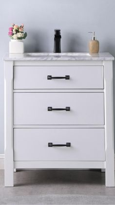 Marble Vanity Tops, Minimalist Bathroom, Bath Vanities, Bathroom Interior Design, Luxury Real Estate, Restoration Hardware, Hgtv, Home Renovation, Master Bathroom