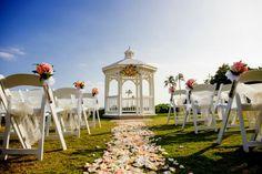 Hawaii wedding, Kahala resort, white wedding arch, wedding Chair & flower