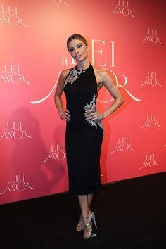 Indicada recentemente ao Emmy Internacional, Grazi posa em festa de lançamento de 'A Lei do Amor' (Foto: Carol Caminha/Gshow)