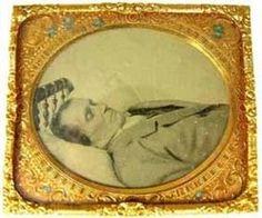 TearDrop Memories Post Mortem Gallery, Weird Victorian Mourning Halloween Retailer