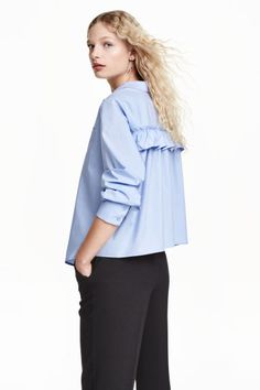 New Women's Brief Back Pleated Blouse 2016 Autumn Ladies Casual Long Sleeve Cotton Shirts Blusas Loose Blue Blouses Preppy Mode, Preppy Style, Ruffle Shirt, Ruffle Top, Ruffles, Blouse Ample, Mode Bcbg, Mode Unique, Moda Formal