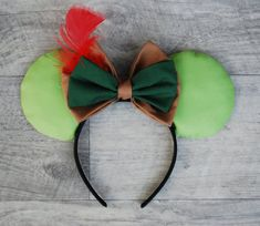 Peter Pan Inspired Mouse Ears // Peter Pan Inspired by MousearsINC Disney Minnie Mouse Ears, Diy Disney Ears, Disney Bows, Disney Diy, Disney Crafts, Disney Headbands, Ear Headbands, Disneyland, Walt Disney World