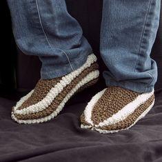 Pantoufles pour femme homme et enfant tricot par CreationsArtPhoto