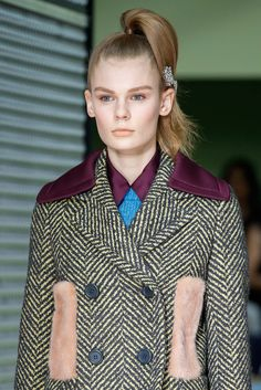 Prada - Fall 2015 Ready-to-Wear - Look 15 of 143