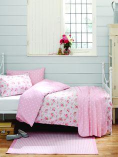 Cath kidston interior on pinterest cath kidston quartos for Cath kidston style bedroom ideas