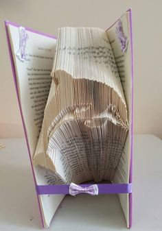 Book folding pattern for a Dolphin +FREE tutorial by BookFoldingForever on Etsy