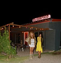 Beyoncé and Solange Knowles at El Cosmico hotel in Marfa, Texas