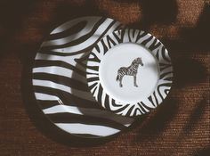 Zebra dinner plate, dessert plate and charger, black and white , so jungle! (#safari, #out of africa, #jungle)Jungle collection, safari, Zebra black and white charger, Dinnerware, porcelain, Limoges, jungle, Africa, hand made,FRAGILE by Patricia Deroubaix. France
