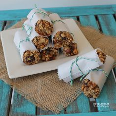 protein bars homemade granola nut fruit raisin dates squares meal replacement power energy honey Meal Replacement Bars, Date Squares, Chewy Granola Bars, Snack Recipes, Cooking Recipes, Protein Bars, I Foods, Healthy Snacks, Healthy Eating