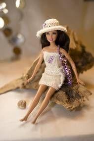 Detailansicht :: GG Barbiebekleidung Shop, Gaby Gehring, Denzlingen, Barbie, Barbiepuppe, Barbie Kleidung, Onlineshop, Barbiekleid, Puppenkleid, Barbiepuppenbekleidung, stricken, häckeln, nähen, Wolle, Stoff, Modeschmuck, Knöpfe, Perlen, Geschenkband, Bast alles fürs Kind, Mädchen