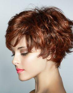 Női rövid vagy félhosszú haj mosása és szárítása