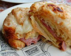 Croque Monsieur - these are probably my favorite sandwich in the whole world. Never tried it like this but can't wait. Sounds so yummy! Cookbook Recipes, Cooking Recipes, Sandwich Shops, Lasagna, Cauliflower, Cabbage, Sandwiches, Chicken, Meat