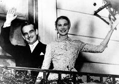 Grace Kelly and Prince Rainier kissing Compilation by http://www.wikilove.com