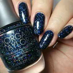 "Yaaaaaay i think i'm really falling inlove with Morgan Taylor's nailpolishes . This is ""under the stars"" by @mtmorgantaylor and its definitely the most beautiful glitter in da World and a must have . It takes me two coats to opaque and here its with top coat too. Also i always takes pictures on my lightbox but this time i did it on the lightbox jajaja with the light directly cause with the other way the color doesn't looks just like it is. Sooo hope you like it ! nailart #nailsdid #nailotd…"