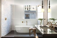 The interiors of the bathroom at The Gray, Chicago. Image courtesy, Kimpton
