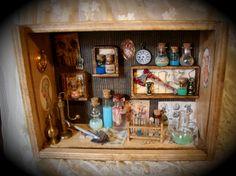 Dr. Frankenstein Kuriositäten Kunst Shadowbox Collage Miniatures
