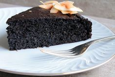 Healthy Quinoa Chocolate Cake  2/3 cup quinoa  1 1/3 cup water  4 eggs  1 cup agave nectar  ½ cup virgin coconut oil or melted butter  2/3 cup cocoa  1 ½ tsp baking powder  ½ tsp baking soda  ¼ tsp salt