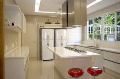 10-cozinhas-com-ilha-projetadas-por-membros-do-casapro (8)
