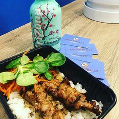 Sur place ou à emporter ...... Vous pouvez aussi commander sur UberEATS de 11h à 21h sans interruption.  #delicerolls #bordeaux #chartrons #placepauldoumer #jardinpublic #bordeauxmaville #japonais #japanesefood #sushi #maki #Onigirazu #bento #yakitori #yakinikudon #toridon #springrolls #futomaki #hiyashichuka #wakamé #gyoza #edamames #miso #gwabao #guabao #don #donburi #ubereats #deliveroo #foodora #ubereatsfrance
