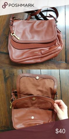 4390c933f407 Fossil crossbody Amazing condition nothing wrong Fossil Bags Crossbody Bags  Fossil Bags