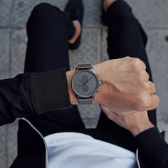 Your next voyage starts here. The Voyager Monochrome�s 42mm case is built for adventure, with 10 ATM water resistant technology and dual timezone functionality for any hour, any latitude. Featuring a monochrome colorway that takes its tones from urban architecture and industrial city streets. Mvmt Watches, Big Watches, Best Watches For Men, Stylish Watches, Cool Watches, Luxury Watches, Casual Watches, Jetta A4, Sleek Rose Gold