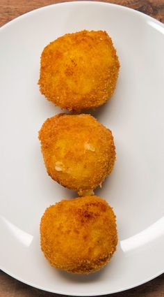 Pesto and Mozzarella–Stuffed Risotto Balls