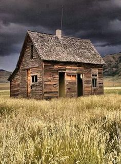 old farm house windmill cool old houses and barns pinterest farms chang 39 e 3 and old. Black Bedroom Furniture Sets. Home Design Ideas