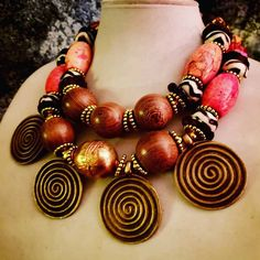 African Ashanti Brass Charm Statement Necklace KATROX Tribal Ethnic Redhead Jewelry Lucite Orange Magnesite OOAK Art to Wear Heavy Luxury Couture Trends, Haute Couture Fashion, Couture Dresses, Trending Outfits, Boho Chic, Fashion Jewelry, Style Inspiration, Fashion Outfits, Closer