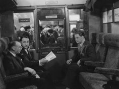 Movie Stills -- The 39 Steps Publié par graham guit à The Thirty Nine Steps, The 39 Steps, Hollywood Actor, Classic Hollywood, Bbc Radio Drama, Robert Donat, Waterloo Station, Studio Theater, Brief Encounter