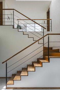 6 Essentials for a Functional Entryway Modern Stairs Entryway Essentials functional meta Modern Stair Railing, Stair Railing Design, Metal Stairs, Stair Handrail, Staircase Railings, Modern Stairs, Banisters, Stairways, Railing Ideas