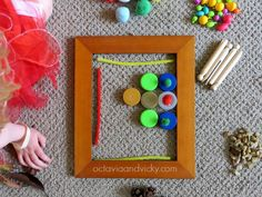 Invitation to Play Picture Frames and Loose Parts - quick and easy play using bits and pieces from around the house