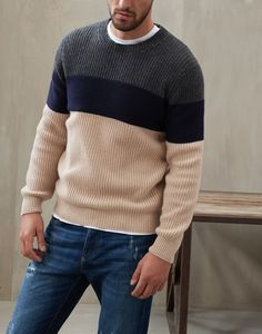 Maglia Girocollo Mens Winter Sweaters, Mens Fashion Sweaters, Cool Sweaters, Casual Sweaters, Sweater Fashion, Gents Sweater, Vogue Knitting, How To Purl Knit, Knit Shirt
