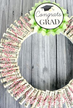 Money Wreath Gift Idea! Great for any occasion-graduation, birthday, wedding, etc.Vamp it up! Nts - Mums 60th bday