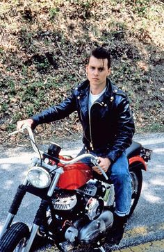 Real definition of a bad boy greaser.. :) If only more men looked like this today...
