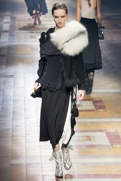 Lanvin Fall 2015 Ready-to-Wear Collection Photos - Vogue